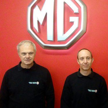 Steve Willetts (Van Driver) & Simon Barratt (Parts Manager)